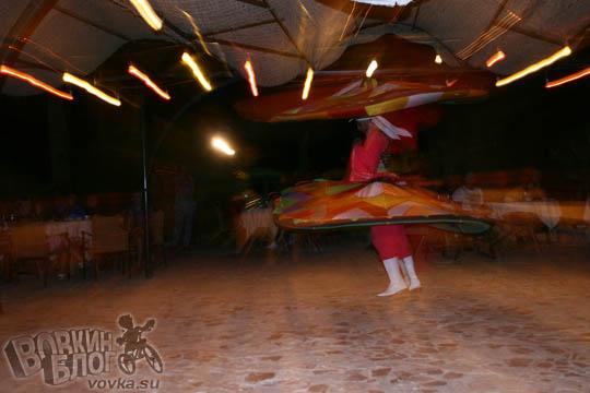 Танцор Египта пошел на взлет