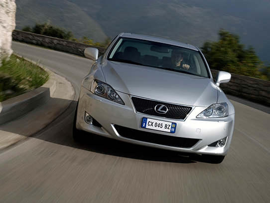 Фото LEXUS IS250